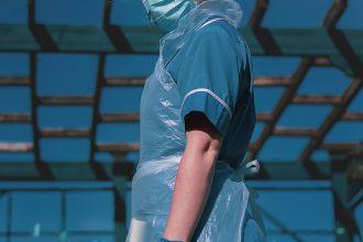 nurse in ppe gear