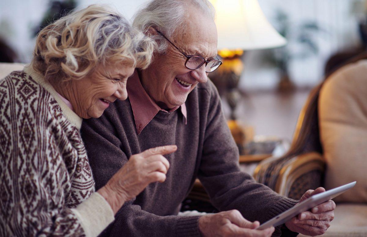 elderly and tech