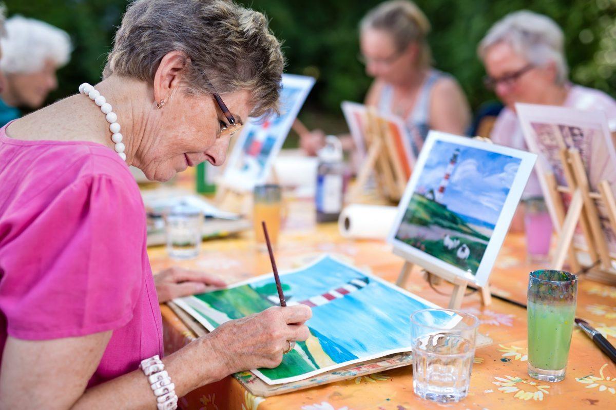 art class for seniors